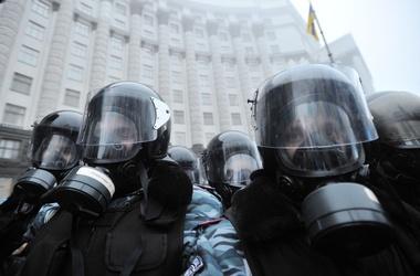 Митингующие в столице ожидают штурма правоохранителей, фото AFP