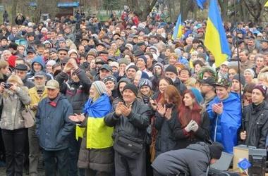 Столичным жителям не нравится, что на Евромайдане шумят. Фото: twitter.com