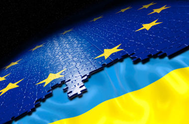 Безвизовый режим с ЕС заработает с начала 2015 года, считает Дещица. Фото:newsradio.com.ua