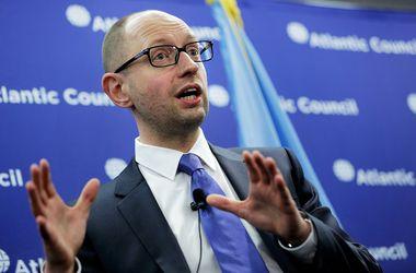 Арсений Яценюк прибыл в Донецк для обсуждения ситуации в регионе. Фото:T.J. Kirkpatrick/Getty Images