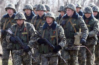 Украинская сторона ожидает реальных подтверждений отвода российских войск, фото AFP