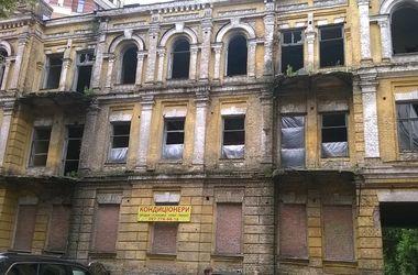 """Здание внутри практически полностью разрушено. Фото: А.Ревнова, """"Сегодня"""""""