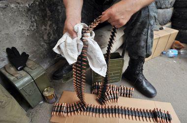 """У Маріуполі йде бій між бійцями батальйону """"Азов"""" і сепаратистами. Фото: AFP"""