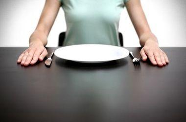 Ученые: Голодание помогает восстановить иммунную систему.Фотоocheninteresno.com