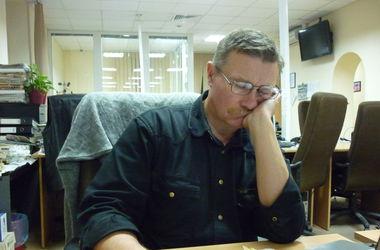 Тем, кто спит на работе, работу найти непросто. Автор: Е. Стулень