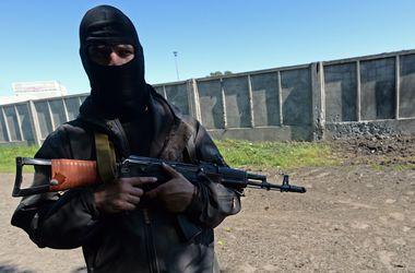 Боевики продолжают нападать. Фото: AFP