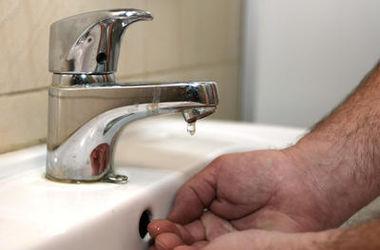 Горячая вода. Может исчезнуть из столичных квартир