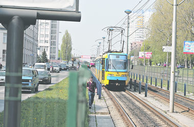 Транспорт. Эксперты считают, что Троещине нужны и метро, и трамвай