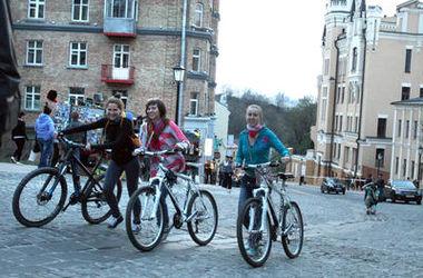 По Андреевскому спуску можно будеть проехать лишь на велосипеде