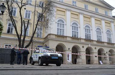 Львовская милиция в 60-ый раз за три последних месяца предотвращала теракт.Фото: УМВД