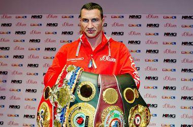 Чемпионские пояса Владимира Кличко. Фото AFP