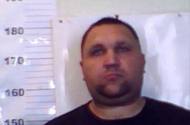 За совершение умышленного убийства трех человек разыскивается Семеренко Витай Владимирович