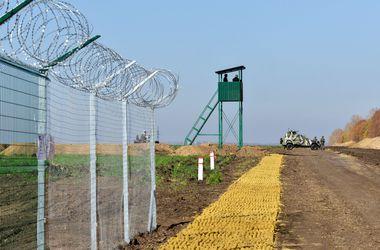"""""""Европейский вал"""" на границе с Россией обязательно будет построен, заявил Яценюк. Фото: AFP"""
