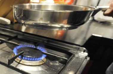 В Госдепе США уверены, что повышение тарифов на газ заставит украинцев экономить. Фото: AFP