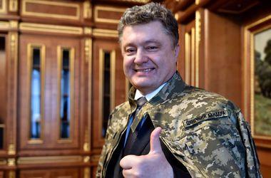 Поки президент зберігає свій рейтинг, фото Svyatoslav Tsegolko/Facebook