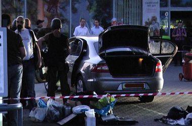 Итог операции. Заложников из «Шкоды» освободили, а преступник убит. Фото: youtube.com