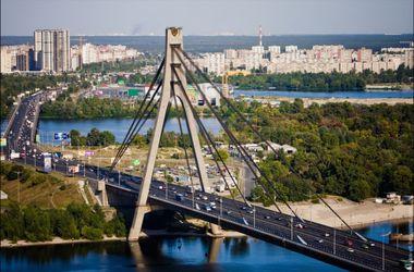 Московскому мосту выбирают новое имя. Фото: 112.ua