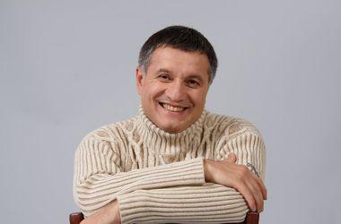 Арсен Аваков сообщил о задержании участкового-взяточника по фамилии Путин. Фото: Facebook