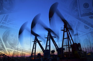 Нефть Urals с начала года подешевела вдвое. Фото: AFP