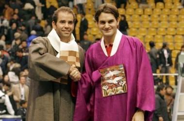 Чемпионы прошлого и настоящего: Пит Сампрас и Роджер Федерер. Фото AFP