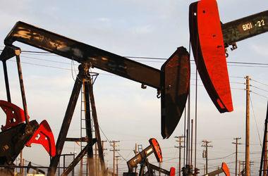 А тим часом нафта дешевшає. Фото: AFP