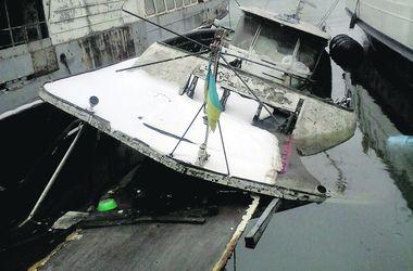 Катер утонул за несколько минут. Фото:1tv.od.ua