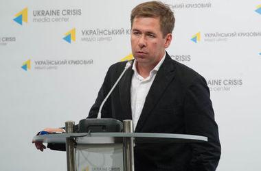 Новіков: Гуманізм не був основним змістом для розробки закону Савченко. Фото: uacrisis.org