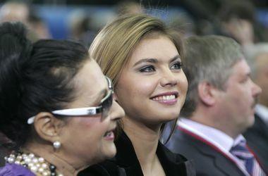 Дети Кабаевой и Путина записаны на сестру экс-гимнастки ...