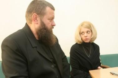 Семья. Отец погибшей девушки, Александр Алексеевич и ее родная сестра, Марина, борятся уже 2 года