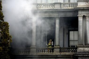 Пожар в Белом доме. Фото  AFP