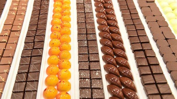 Щоб не пореборщити із солодким - навчіться його дозувати. Фото: AFP