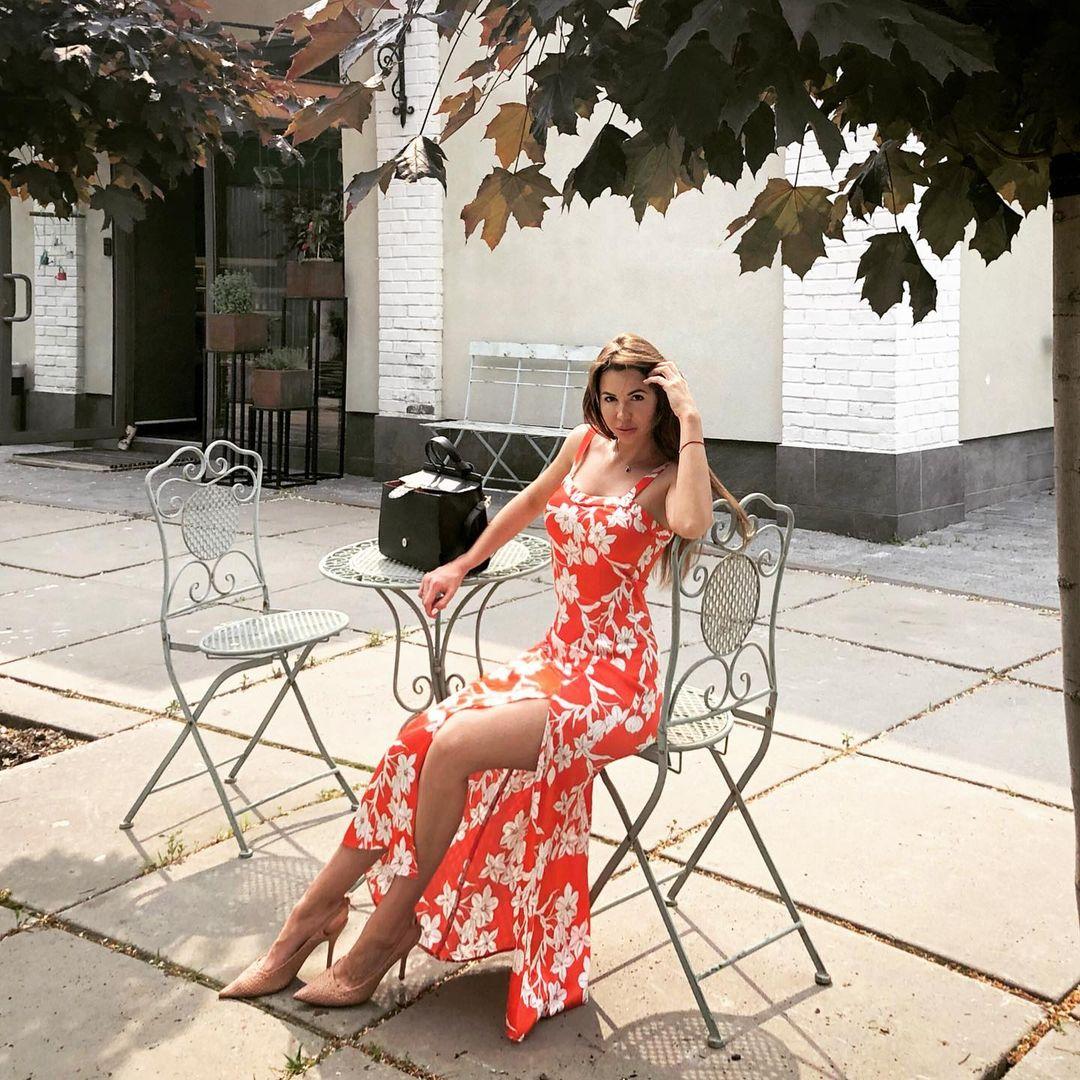 Пышногрудая Алиса: горячие фото жены украинского штангиста, испепелившего Красную площадь
