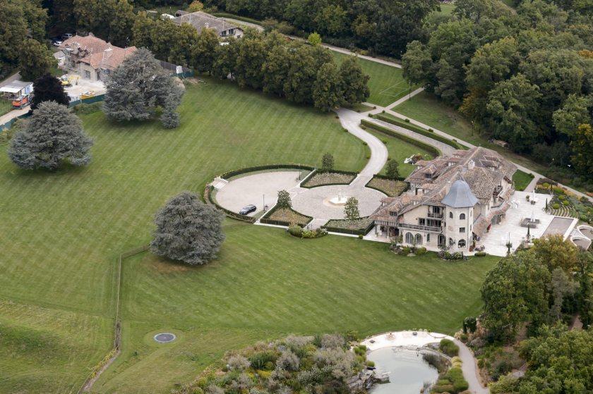 На лечение Шумахера нужны деньги: жена продает виллу за 59 млн евро