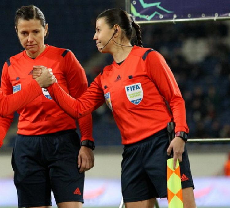 Две украинки будут судить футбол на Олимпиаде