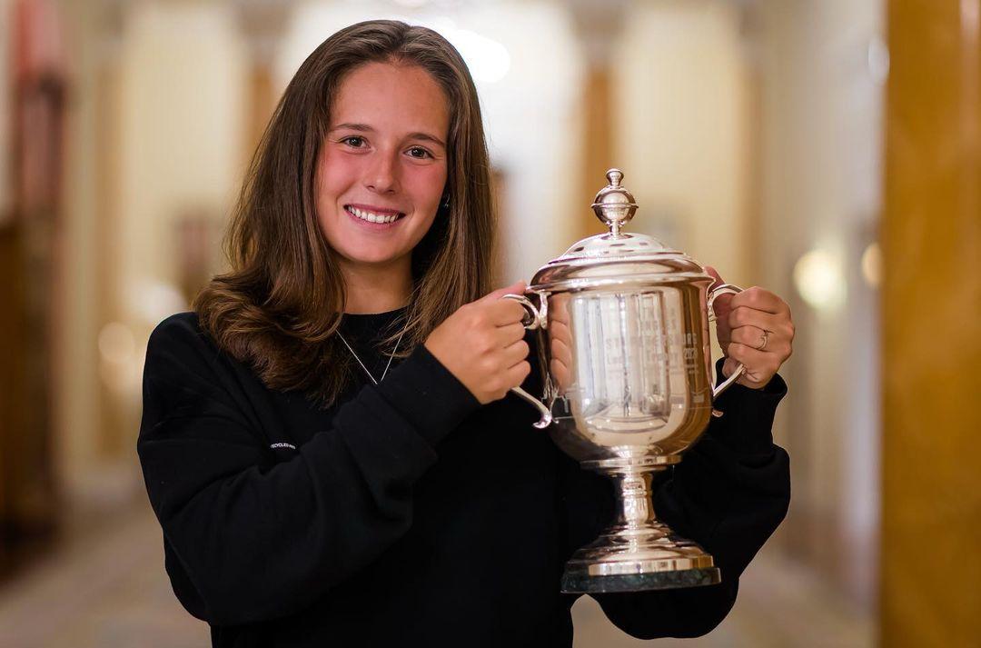 С мужчиной или женщиной? Российская теннисистка еще не решила с кем крутить любовь