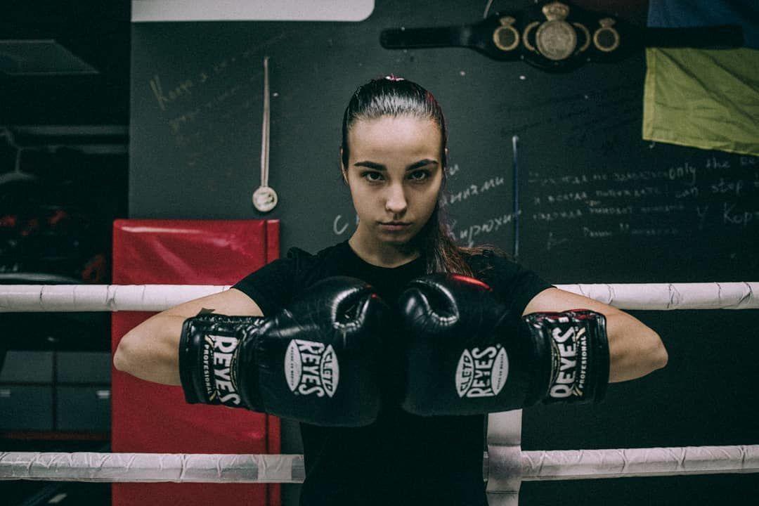 Украинка – вторая перчатка мира! Как выглядит 19-летняя боксерша в жизни