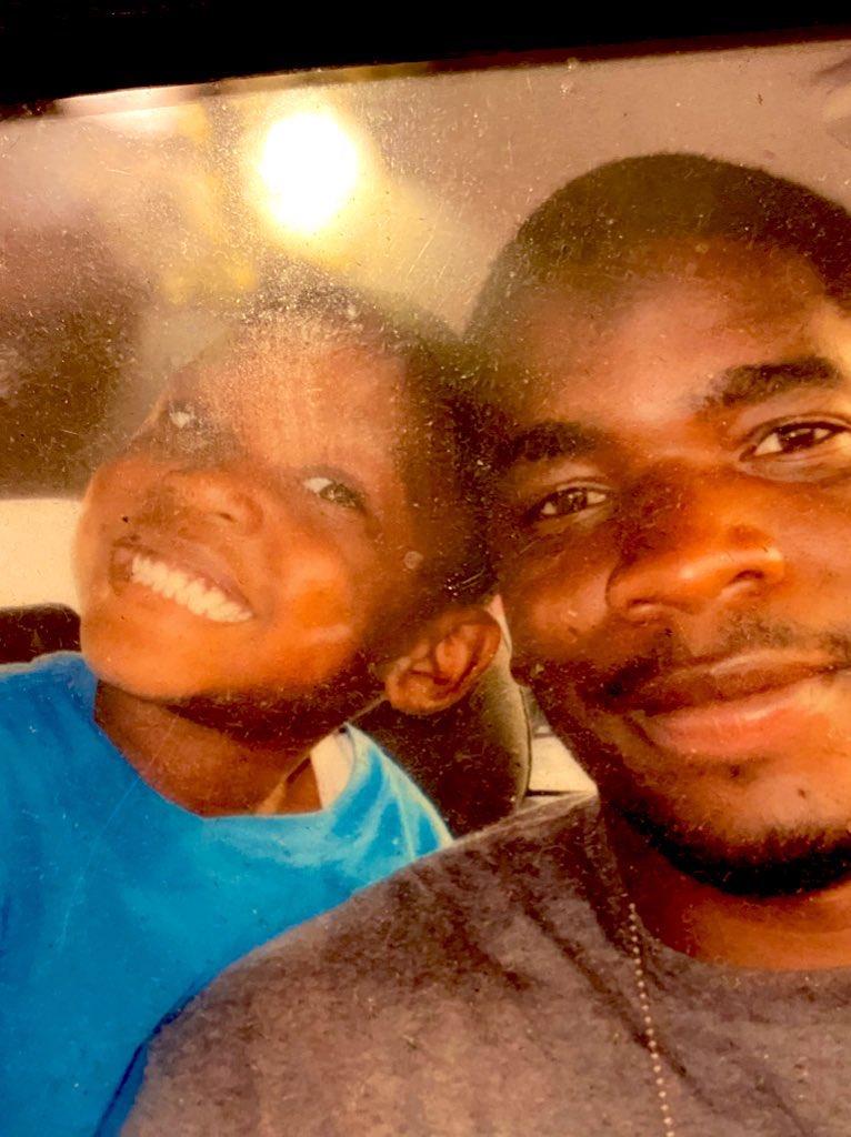 Тяжелая смерть звезды футбола в 33 года: перестал дышать в доме родителей