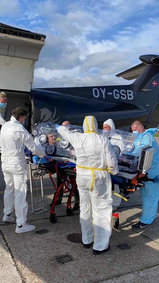 Датский бадминтонист, заразившийся коронавирусом в Киеве, нанял самолет и в капсуле улетел домой